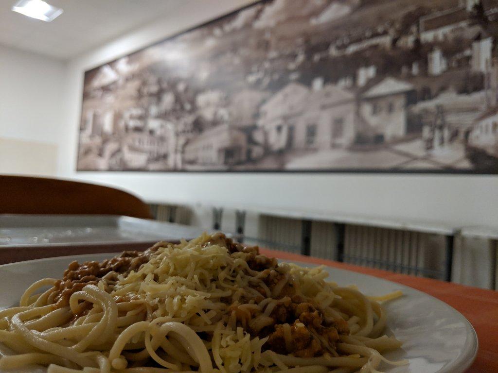 Čo si zbaliť na internát a školské boloňské špagety, tie sú najlepšie. Najlepšie na zašpinenie.
